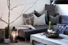{ DIY: Sofa with chaise lounge }