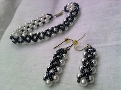 Free simple pattern for necklace and earrings Ontario. Its very easy to make but looks so good!