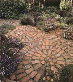 120 brick garden paths: possible combinations with other materials - great-figures-with-bricks You are in the right place about garden design Here we offer you the most - Backyard Patio, Backyard Landscaping, Landscaping Ideas, Backyard Layout, Walkway Ideas, Diy Patio, Backyard Ideas, Brick Pathway, Brick Steps