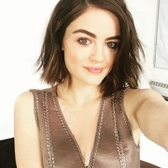 Emma Roberts And Lucy Hale Introduce The New Hair-Color Trend Lucy Hale Hair, Lucy Hale Style, New Hair Color Trends, New Hair Colors, Hair Trends, Aria Montgomery, Pretty Little Liars, Cosmopolitan, Bobs