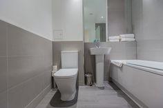 LIMEHOUSE BATHROOM FRONT VIEW. #appleapartments #servicedapartments #limehouse #ldn #luxurylondon #luxlondon #bathroom #luxurybathrooms #luxbathroom #modern #neutral #shower #beautiful #interior #love