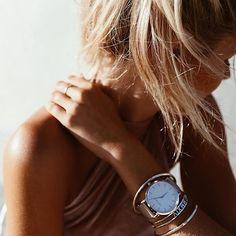 Voici les bracelets cadeaux femme à acheter à petit prix! Des bracelets qui apporteront une touche de lumière à votre poignet. N´hésitez pas à associer avec d'autres bracelets tendance pour …