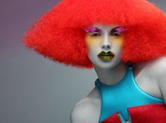 Lilogi.com - inspiration image, avant-garde fashion, art, craft, #avantgarde #fashion #makeup #hairstyles #editorial