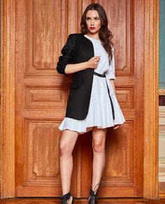 TiarStudio pune cel mai mare accent pe calitate. De aceea pentru noi este foarte important sa alegem cele mai bune materiale cand vine vorba de colectiile semnate. Confectionat din materiale de inalta calitate, acest sacou dama elegant va ofera o completare perfecta. Pune, Mai, High Neck Dress, Dresses, Fashion, Turtleneck Dress, Vestidos, Moda, Fashion Styles