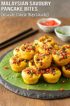 They're known as kuih cara berlauk and this recipe is made easier for expats and others outside Malaysia (like you and me). Easy Asian Recipes, Easy Appetizer Recipes, Minced Beef Curry, Malaysian Food, Malaysian Recipes, No Bake Lemon Cheesecake, Pancake Bites, Savory Pancakes, Digestive Biscuits