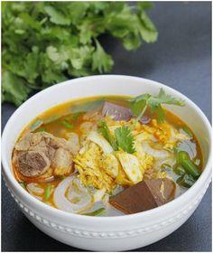 Học nấu ăn ngon với cách nấu bánh canh bột lọc và cua. Đây làm món ăn hấp dẫn với hương vị đậm đà từ cua