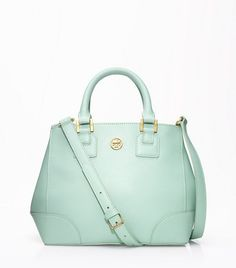 Pretty sure I need this mint Tory Burch purse  #PBperfectsaturday with @Caitlin Burton Burton Burton Flemming and @Jess Pearl Liu Grinsteinner Barley