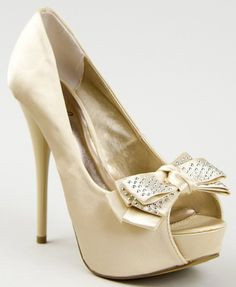 cute heels... Not big about the color but they are still cute