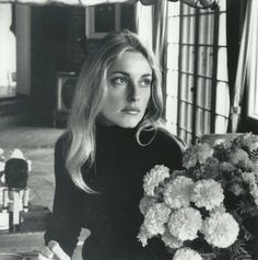 Sharon Tate, Summitridge Drive, Beverly Hills,1968. She was the prettiest
