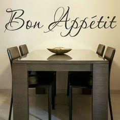 jadalni osobnej nie będę mieć, ale starczy fajny stół z 4 krzesłami i jakiś fajny sticker albo obraz z kawusią :)