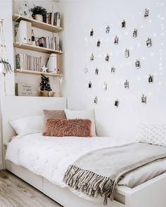 Cute Bedroom Decor, Teen Room Decor, Room Ideas Bedroom, Small Room Bedroom, Bedroom Inspo, Bedroom Loft, Cozy Small Bedrooms, Bedroom Wall, Boho Teen Bedroom