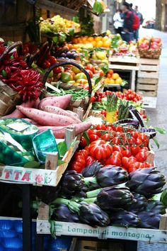 fruit stand in Florence