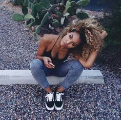 Imagen de girl, hair, and beauty Pelo Natural, Natural Curls, Selfies Poses, Curly Hair Styles, Natural Hair Styles, Natural Hair Inspiration, Curly Girl, Afro Hairstyles, Big Hair
