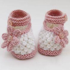 New Crochet Shoes Free Pattern Women Baby Booties Ideas Baby Booties Knitting Pattern, Baby Shoes Pattern, Knitted Booties, Baby Boy Booties, Crochet Baby Booties, Knitted Hats Kids, Knitted Baby Clothes, Crochet Bebe, Baby Girl Crochet