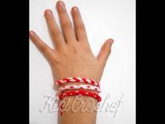 How to Make Kumihimo Bracelets Macrame Tutorial, Bracelet Tutorial, Dmc Embroidery Floss, Ribbon Headbands, Spiral Pattern, How To Make Ribbon, Spring Activities, Wooden Beads, Crochet
