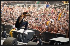 Wiz Khalifa..this picture makes me so excited for this weekend!!