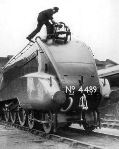 The LNER A4 Pacifics:Rare pictures of 4489 Dominion Of Canada in the 1930's before the outbreak of WW2