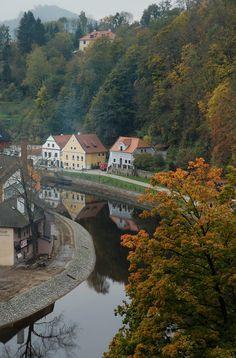Český Krumlov, Czech Republic (by robert ragan)