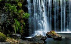 magnificent waterfall flow wallpaper