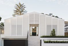 REMUERA RENOVATION BY PONTING FITZGERALD   WHITE LOUVRE