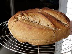 Faire son propre levain maison et recette de pain au levain
