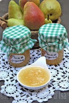 PEAR JAM WITH GINGER - Still in the saga of pears that have been offered to me, I offer you today, a very delicate jam not - Brunch Recipes, Sweet Recipes, Breakfast Recipes, Chutneys, Fruit Cake Design, Chocolate Fruit Cake, Fruit Wedding Cake, Compote Recipe, Pear Jam