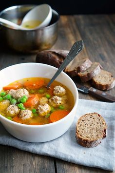 Soup with chicken meatballs. Healthy Cooking, Healthy Recipes, Soup Recipes, Cooking Recipes, Good Food, Yummy Food, Russian Recipes, Saveur, Soup And Salad