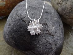 Hey, I found this really awesome Etsy listing at https://www.etsy.com/uk/listing/246335889/silver-pendant-fine-silver-daisy-nature
