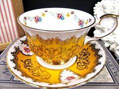 PARAGON tea cup and saucer YELLOW & ROSES floral pattern teacup gold gilt