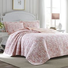 Laura Ashley Home Bettina Beach Rose Cotton Reversible Quilt Set Size: Full/Queen