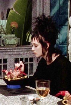 """Winona Ryder è Lydia in """"Beetlejuice""""! <3                                                                                                                                                                                 More"""