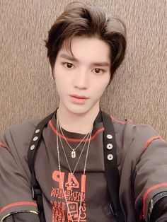 Taeyong is an innocent and pure man that works in a book cafe but one night changed his whole life. Lee Taeyong, Winwin, Jaehyun, K Pop, Nct 127, Rapper, Solo Photo, Sm Rookies, Look Alike