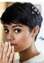 """How to style the Pixie cut? Despite what we think of short cuts , it is possible to play with his hair and to style his Pixie cut as he pleases. For a hairstyle with a """"so chic"""" and pointed… Continue Reading → Haircut For Older Women, Short Hair Cuts For Women, Undercut Hairstyles, Pixie Hairstyles, Short Pixie Haircuts, Haircut Short, Pixie Haircut For Thick Hair, Style Short Hair Pixie, Round Face Short Hair"""