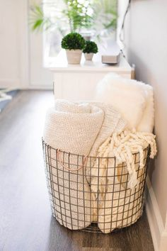 home decor accessories Atlanta Apartment Tour Affordable Home Decor 2019 Affordable home decor! The post Atlanta Apartment Tour Affordable Home Decor 2019 appeared first on Blanket Diy.
