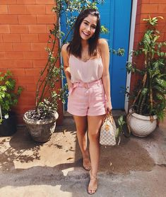 Holiday Outfits, Fall Outfits, Summer Outfits, Casual Outfits, Short Rosado, Casual Chic, Looks Com Short, Movie Date Outfits, Lawyer Outfit