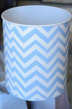 chevron trash can with silhouette vinyl Painted Trash Cans, Paint Chevron, Silver Spray Paint, Heart Diy, Arts And Crafts, Diy Crafts, How To Clean Metal, Garbage Can, Diy Box
