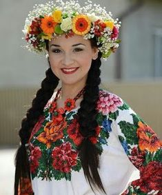 Your girlfriend is Ukrainian? Read how to build a happy family with her! How to win a heart of Ukrainian girl? How to choose your sexy Ukraine Looking for your Ukraine girl?