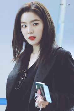 Video Japanese, Red Velvet Irene, Beautiful Inside And Out, Kpop Outfits, Height And Weight, Girl Body, Seulgi, Korean Actresses, Airport Style