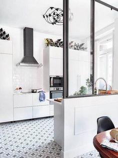 modern kitchen featured in micasa with vintage looking tile floors / sfgirlbybay, płytki moje, gwiazdki Modern Kitchen Interiors, Modern Kitchen Design, Interior Design Kitchen, Interior Modern, Sweet Home, Kitchen Cabinet Remodel, Kitchen Flooring, Kitchen Walls, Kitchen Tile