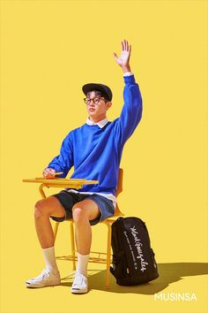 An idea for how to show the students in class but with a colourful twist (primary colours) Human Poses Reference, Pose Reference Photo, Figure Reference, Art Poses, Drawing Poses, Drawing Hair, Drawing Tips, Figure Poses, Cool Poses