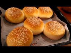 Pain Burger Maison - Page 2 sur 2 - Tasties Foods Vegan Naan, Protein Cookies, Halloween Cakes, 4 Ingredients, Recipe Using, Hamburger, Delish, Favorite Recipes, Bread