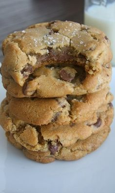 Nutella-Stuffed Browned Butter Chocolate Chip Cookies with Sea Salt | The Bite-Sized Baker