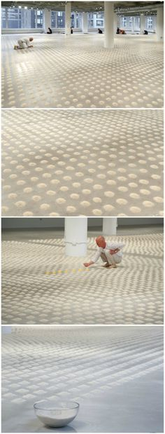 SUBMISSION: For his latest exhibition at the School of the Art Institute of Chicago, German artistWolfgang Laibpoured over 30,000 piles of rice and seven piles of pollen to create one of his largest installations ever entitledUnlimited Ocean.