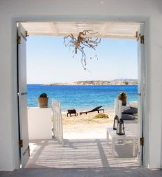 To the beach... Kimolos