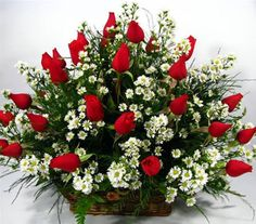 Valentine Flower Arrangements, Basket Flower Arrangements, Funeral Floral Arrangements, Creative Flower Arrangements, Rose Arrangements, Beautiful Flower Arrangements, Beautiful Flowers, Home Flower Decor, Flower Decorations