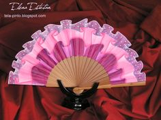 ABRIL ES FERIA | Manualidades Pretty Hands, Beautiful Hands, Hand Held Fan, Hand Fans, Painted Fan, Chinese Fans, Fan Decoration, Powder Puff, When I Grow Up