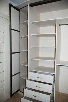 Встроенный шкаф купе в гостиную внутри