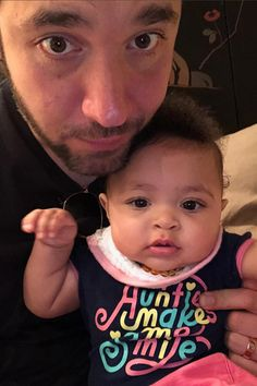 Adorable Photos Of Serena Williams, Her Husband Alexis Ohanian and Their Daughter Serena Williams Husband, Serena Williams Alexis, Serena Williams Quotes, Serena Williams Tennis, Celebrity Singers, Celebrity Moms, Black Girls Power, Girl Power, Vestidos
