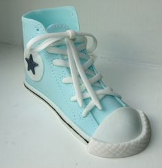 How To Make a Fondant Converse Sneaker Shoe – Template & Video By NovaTrixi on CakeCentral.com