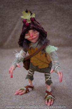 Duende Hecho a Mano. OOAK criatura fantástica. Pixie.  Bumpy /// por GoblinsLab. OOAK Dolls. Mythical Creature Laboratory. Fantasy Art. *The Artist Web ( GoblinsLab ) :https://goo.gl/0Cc6op /  Criaturas Míticas hechas a mano, por el artista plástico  Moisés Espino. The Goblin´s Lab. Madrid, España. Hadas, Duendes, Trolls, Brownies, Goblins, Fairies, Elfs, Trolls, Gnomes, Pixies....Quieres adoptar a una criatura? *GoblinsLab Facebook: https://goo.gl/S39lGQ…